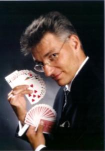 Zauberkünstlerr  für Geburtstagsfeierfeier