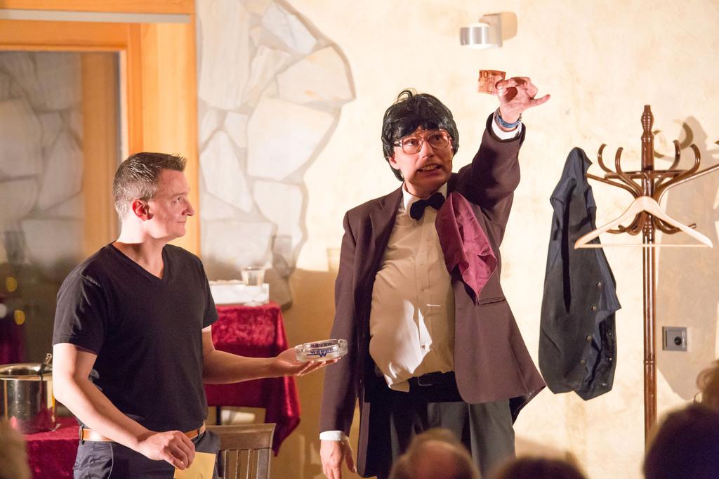 Weihnachtsfeier Ulm.Comedy Gesucht Comedy Für Hochzeit Comedy Für Weihnachtsfeier